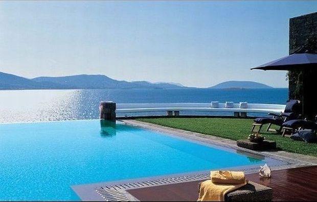 Cele mai scumpe camere de hotel din Europa royal villa