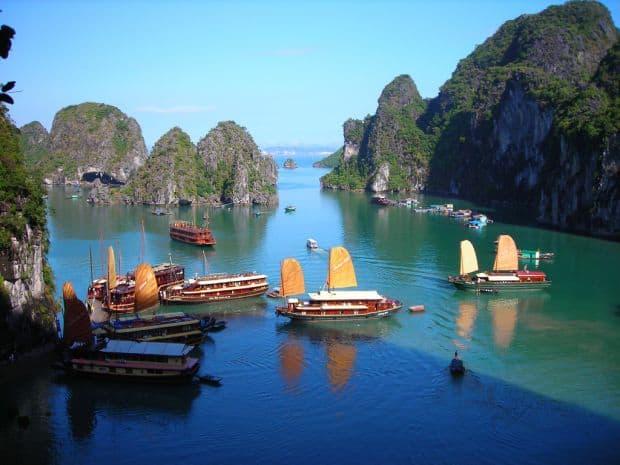 Vietnam 8 atractii turistice din Vietnam Halong Bay Vietnam
