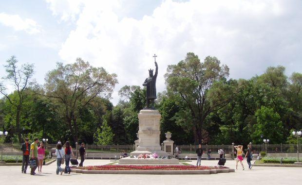 Chisinau Atractii turistice in Chisinau, fratele nostru de peste Prut stefan cel mare
