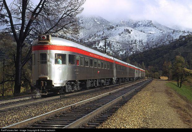 10 motive pentru a calatori cu trenul tren4