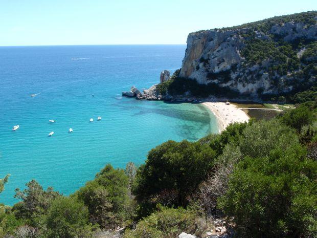 plaje sardinia Cele mai frumoase plaje din Sardinia Cala Mariolu