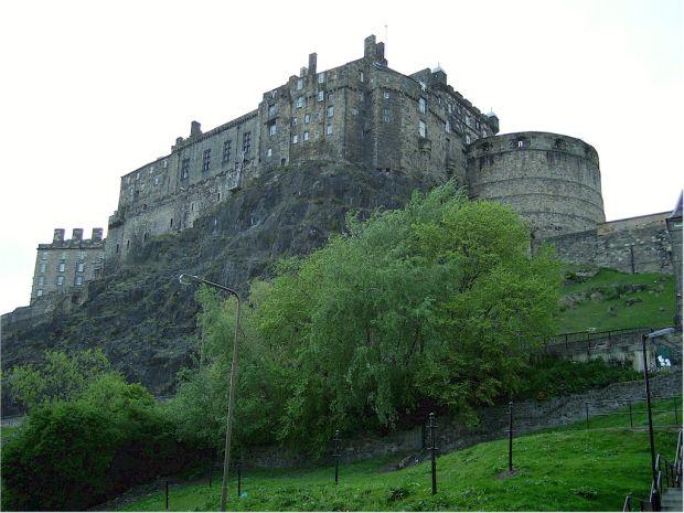 Scotia Top 10 atractii turistice in Scotia edinburgh castle 1 big