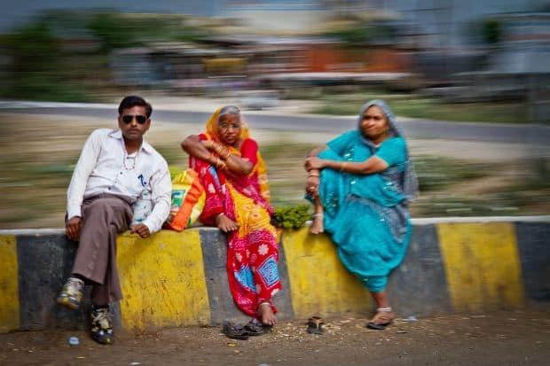 Sfaturi pentru fotografierea orasului in miscare india people