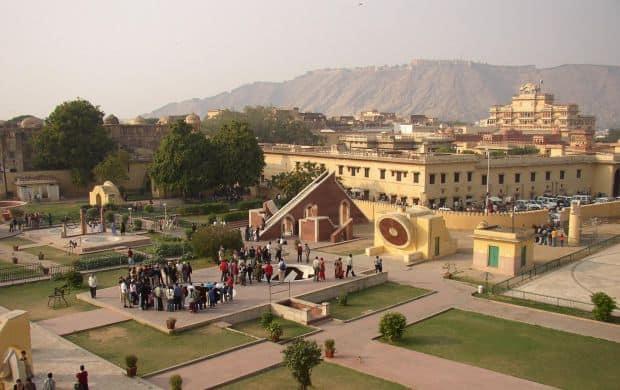 Jaipur - tentatii indiene Jaipur - tentatii indiene jantar mantar1