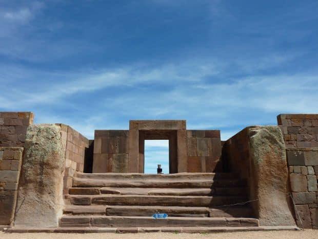 Bolivia - cele mai tari atractii turistice Tiwanaku
