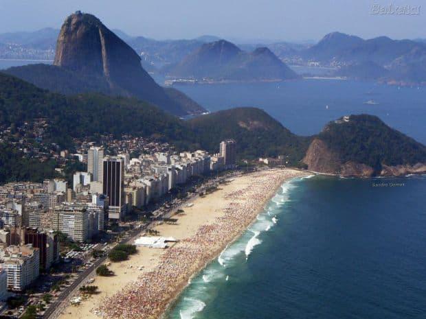 rio de janeiro 10 lucruri pe care le poti face in Rio de Janeiro pe bani putini copacabana