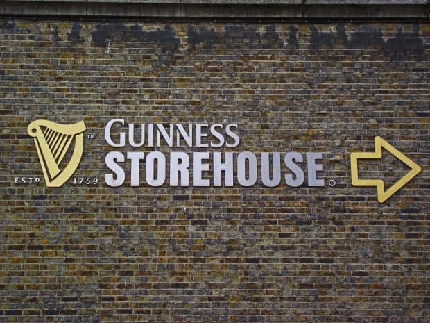 O vizita la fabrica de bere Guinness, din Dublin guinness 1