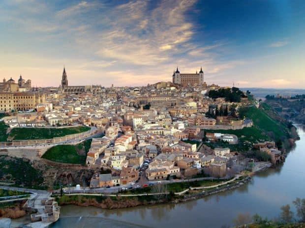 Cele mai frumoase orase fortificate din lume toledo