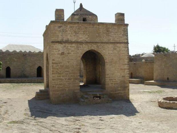 Azerbaidjan: trei zile in capitala Baku Azerbaidjan: trei zile in capitala Baku Ateshgah1