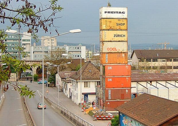 10 piete si magazine ciudate Freitags Container Shop