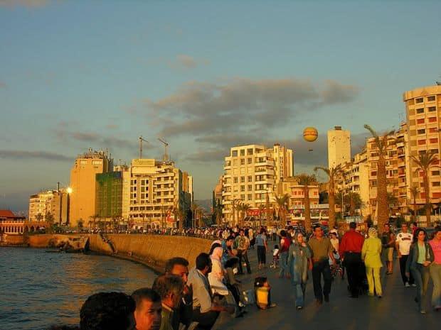 Beirut Cum sa petreci 24 de ore in Beirut beirut corniche