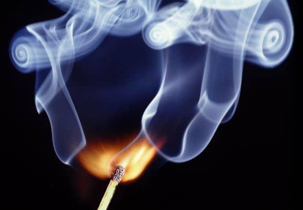 cum fotografiezi focul Cum sa fotografiezi focul smoke