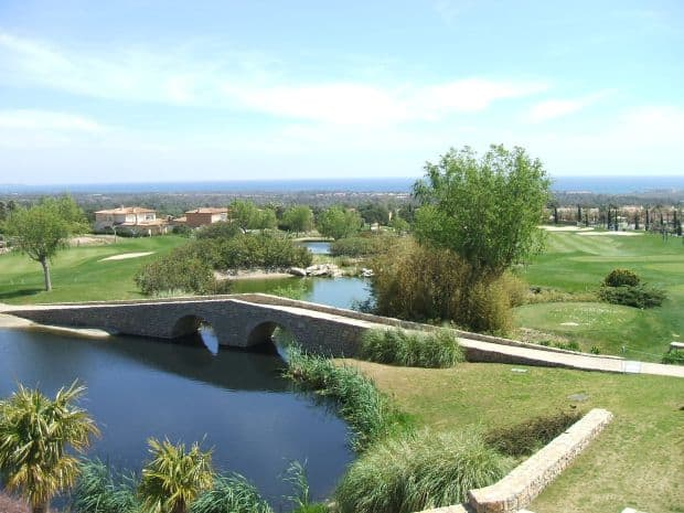 Cele mai bune terenuri de golf din Spania Club de Golf Bonmont Terres Noves