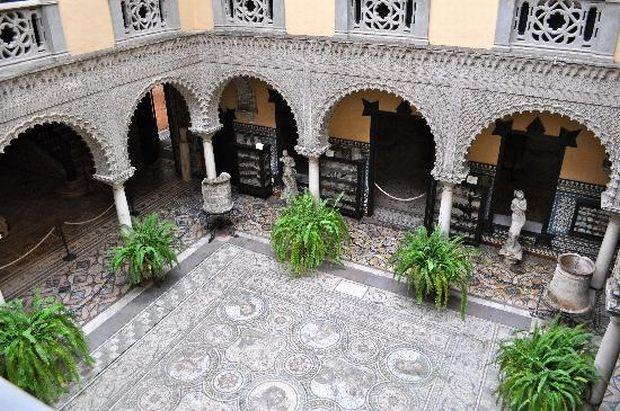 sevilla Sevilla, orasul palatelor Lebrija