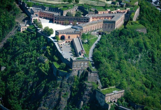 Koblenz Koblenz, orasul bisericilor fortificate si al castelelor medievale Ehrenbreitstein