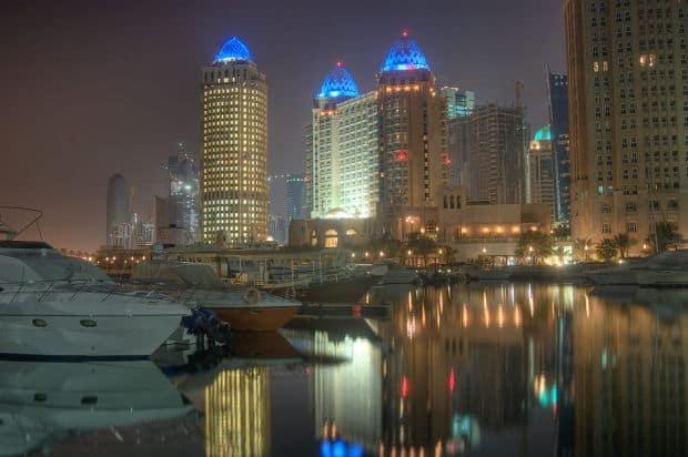 Portul din Doha, la ceas de seara