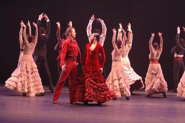 Ritmul si culoarea fac din flamenco un dans extrem de senzual