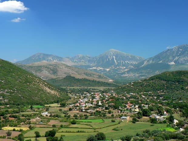 Muntele Korila se intinde in frumoasa regiune Thesprotia. Foto: Ioannis Bahatouris
