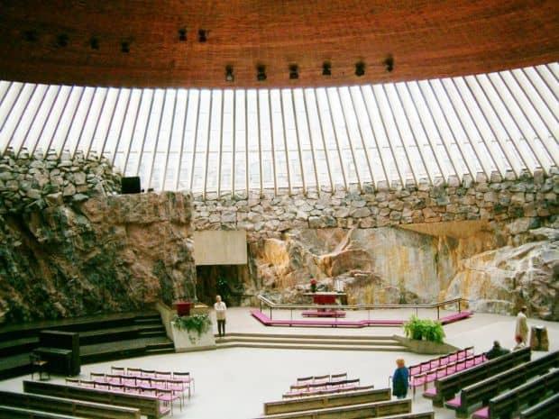 O biserica sub pamant: Temppeliaukio  Cele mai fascinante biserici din lume Temppeliaukio Church