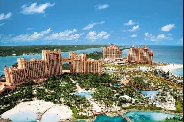 Celebrul Atlantis Hotel, din Bahamas