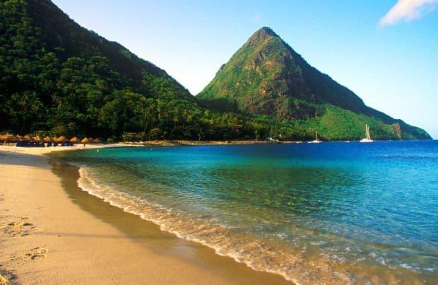 In St. Lucia, paradisul arata un pic diferit Cele mai bune insule din Caraibe pentru petrecerea lunii de miere stlucia