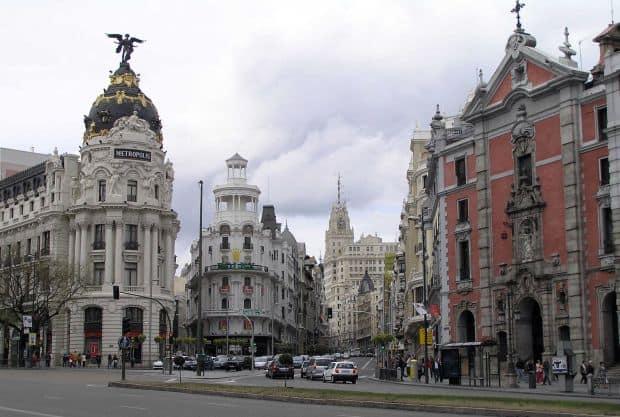 gran via  Seducatoarele cartiere ale Madridului gran via