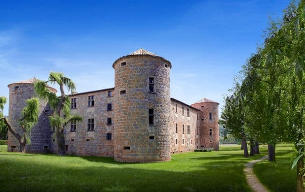 Château des Ducs de Joyeuse  Castelele din Franta - unde poti petrece o noapte de vis Ch  teau des Ducs de Joyeuse
