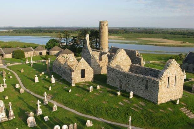 Clonmacnoise, o manastire... aparte