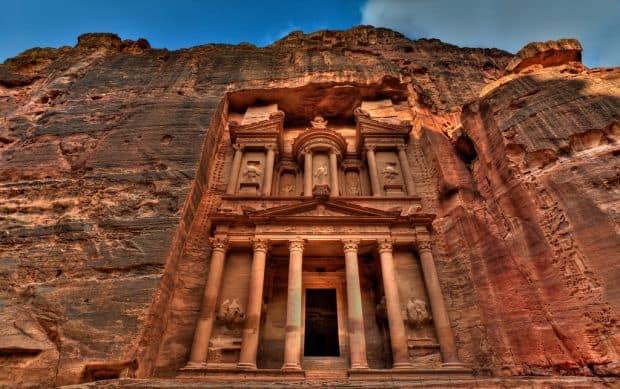 Orasul sapat in stanca de la Petra