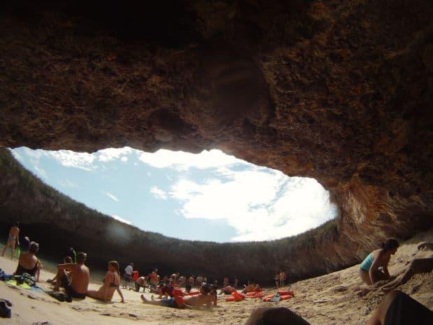 3  Plaja ascunsa, minunea de pe Insulele Marieta 3