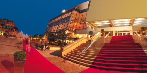 Covorul rosu, intins in fiecare primavara in Cannes