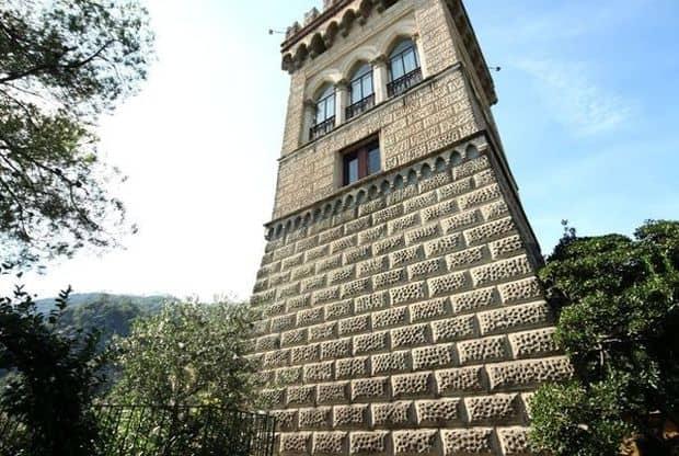 Tower  Locuri ciudate in care se poate trai Tower