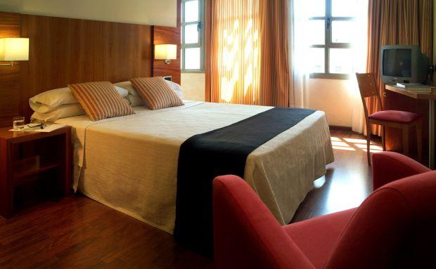 Hotel Aranea  Periplu prin Europa, pentru trup si pentru spirit! (P) Hotel Aranea
