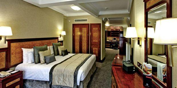 Hotel Grange City  Periplu prin Europa, pentru trup si pentru spirit! (P) Hotel Grange City