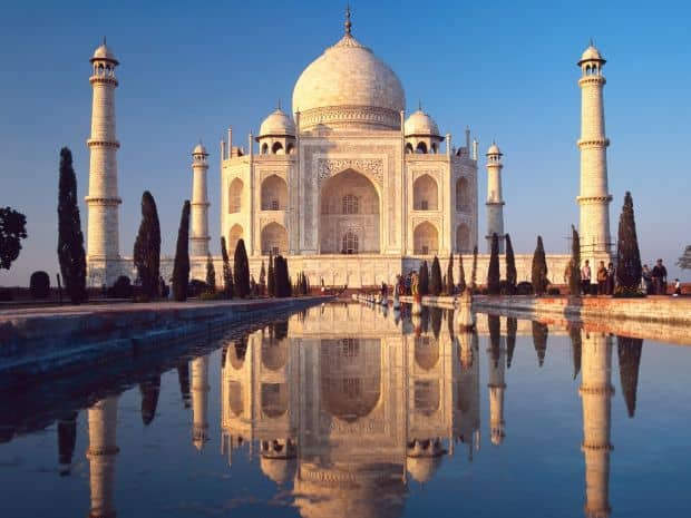 Celebrul templu Taj Mahal