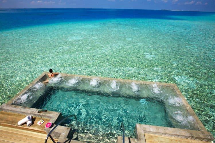 10 Cele mai frumoase piscine din lume Cele mai frumoase piscine din lume 101