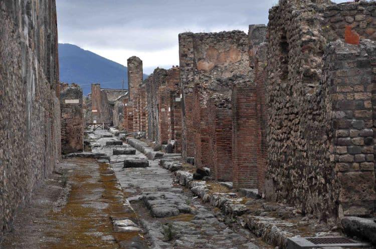 Popmpei sau ce-a mai ramas din el 20 de lucruri obligatoriu de facut in italia (2) 20 de lucruri obligatoriu de facut in Italia (2) pompei