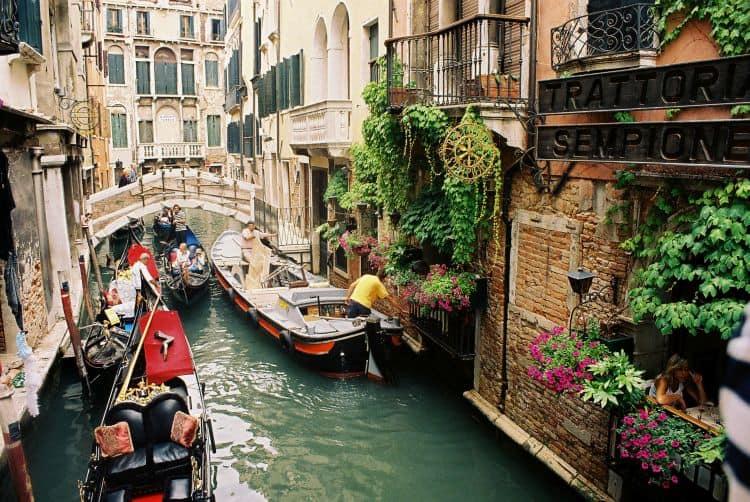 Plimba-te prin Venetia, cu bunele si mai putin bunele acestui oras 20 de lucruri obligatoriu de facut in italia (2) 20 de lucruri obligatoriu de facut in Italia (2) venetia