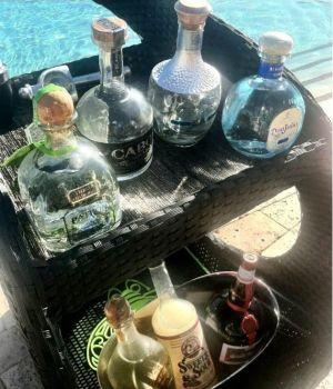 Image: Tequila butler 7 slujbe hoteliere ciudate din America 7 slujbe hoteliere ciudate din America tequila