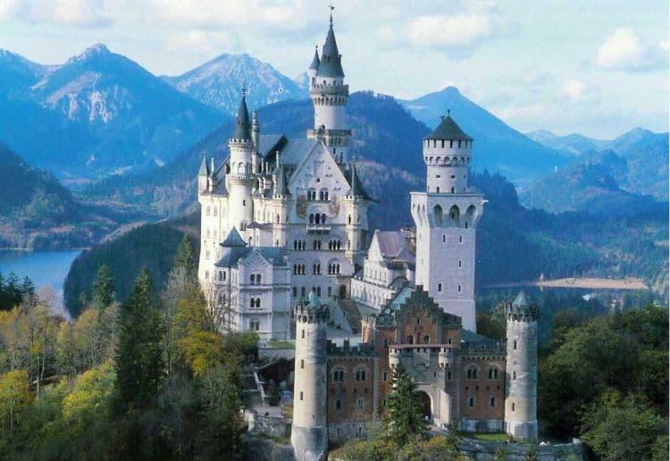 Neuschwanstein bavaria 10 lucruri de vazut si facut in Bavaria Neuschwanstein