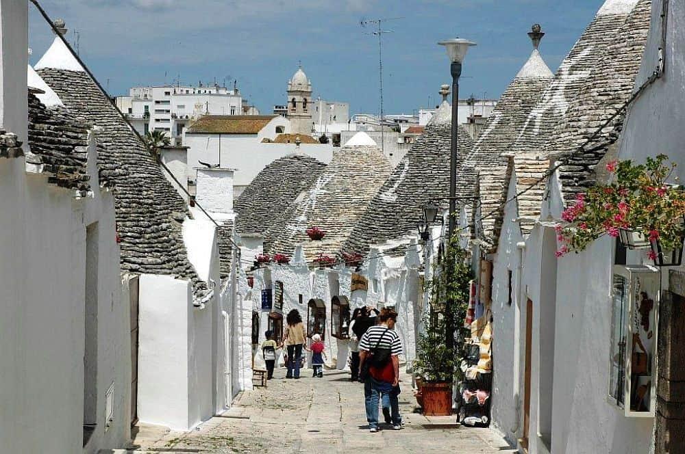 alberobello2 alberobello Alberobello si casele trulli alberobello2