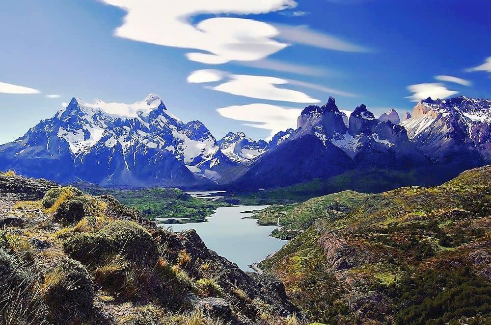 Torres del Paine patagonia Pe urmele lui Magellan: Patagonia, Țara de Foc și Insula Paștelui torres del paine