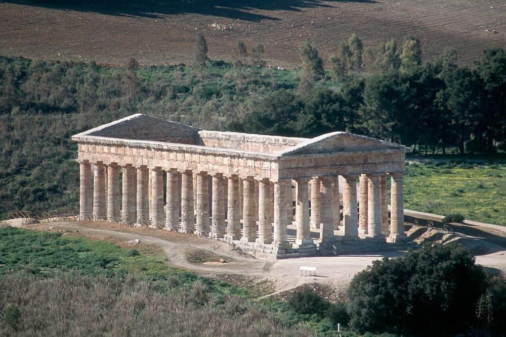 doric temple sicilia Top 10 locuri de vizitat în Sicilia doric temple
