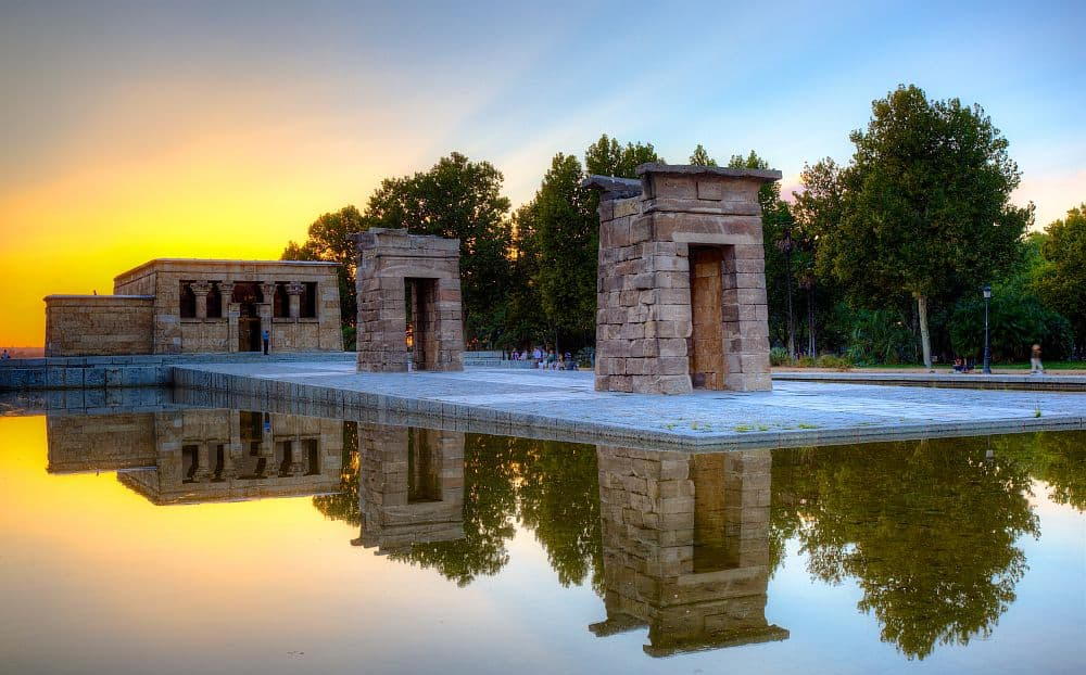 Templul Debod, din Madrid. Foto: Wikipedia madrid Top 10 atractii turistice in Madrid templul debod