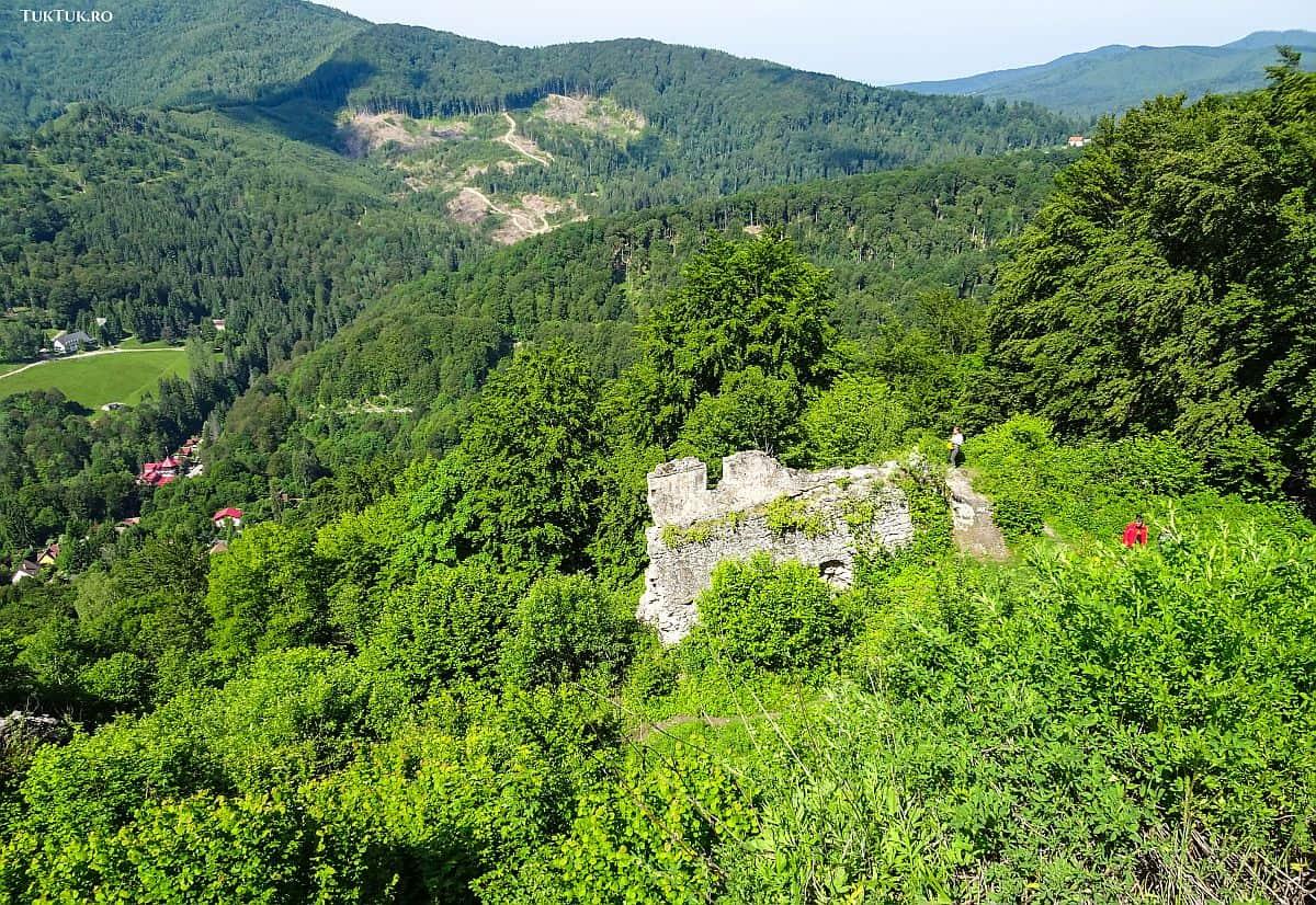 Ruinele Cetății Balvanyos din județul Covasna