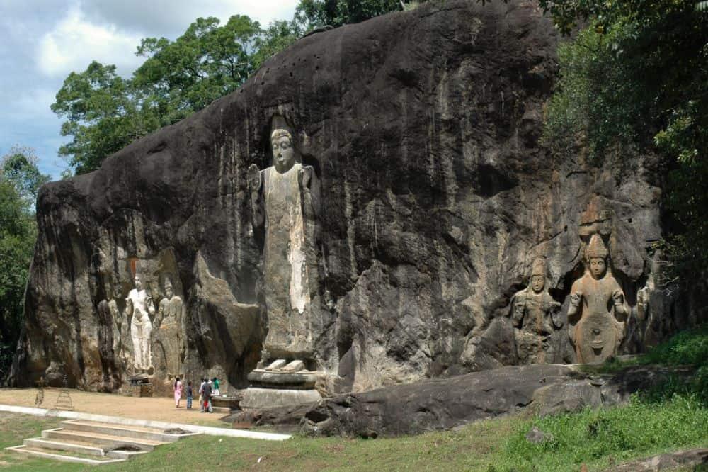 Big Buddha de la Buduruwagala. Foto: mihintale-srilankatours.com sri lanka Sri Lanka - exotism si spiritualitate Buduruwagala