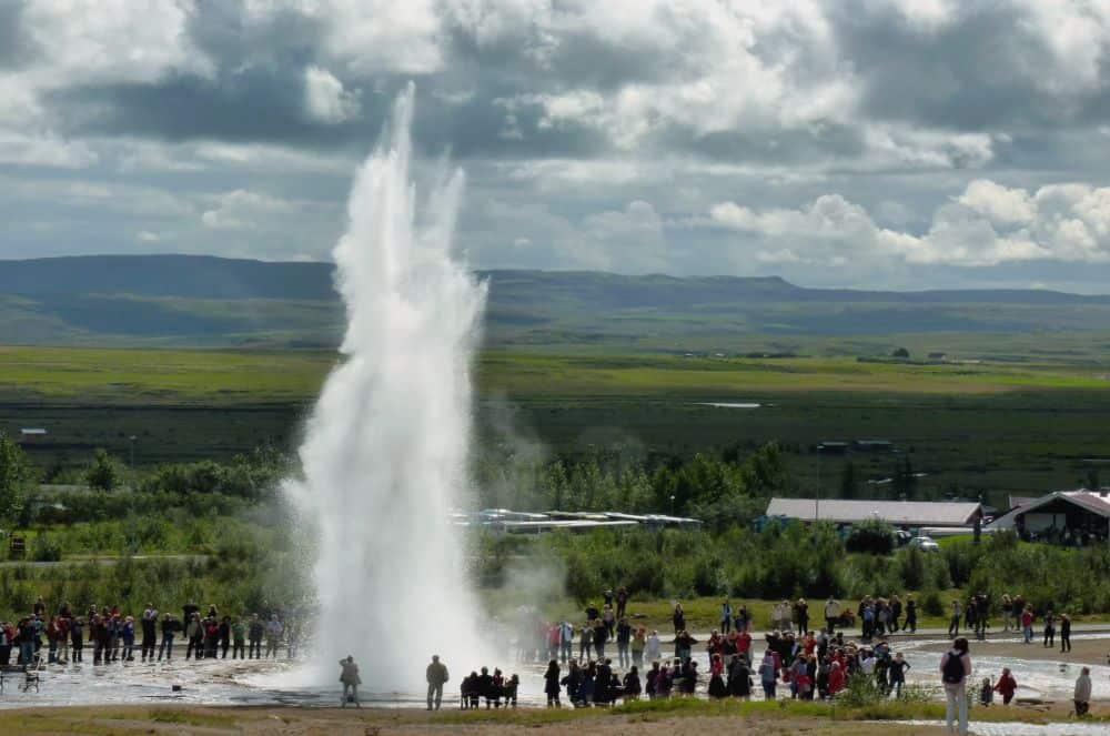 Un fenomen natural de senzație în Islanda: gheizerul. (Foto via mapio.net)