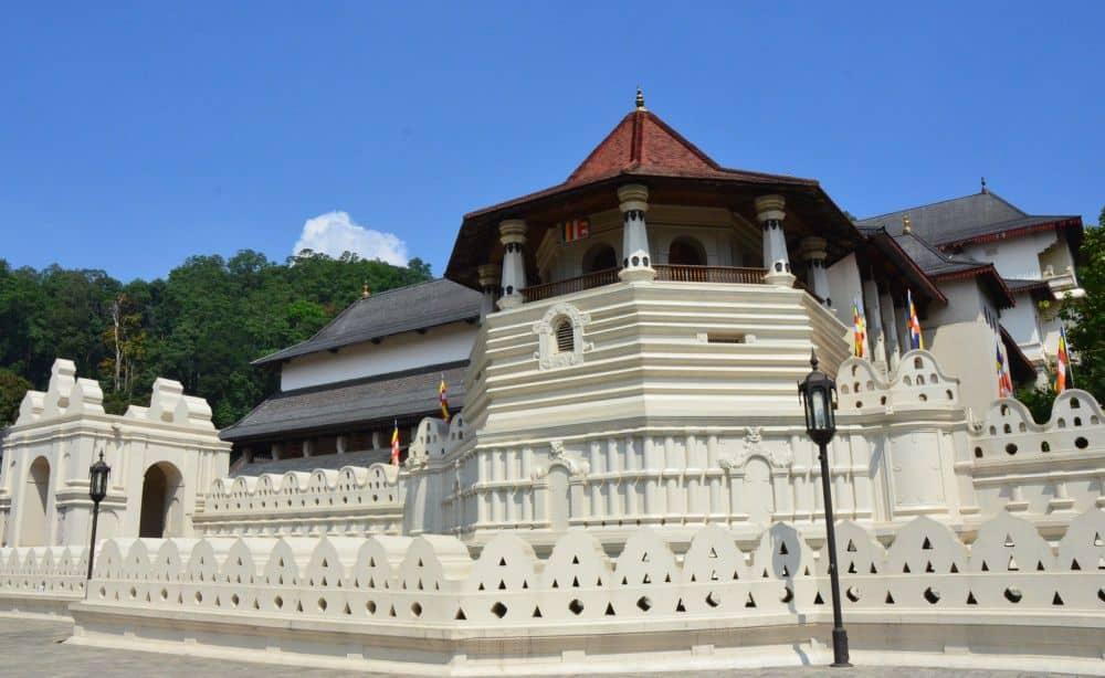 Templul Dintelui sri lanka Sri Lanka - exotism si spiritualitate templul dintelui