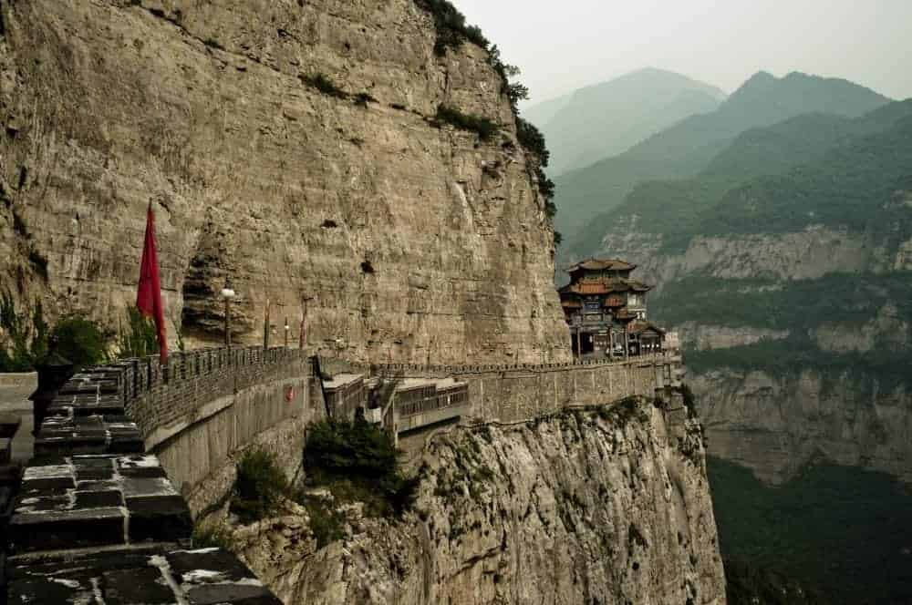Mian Shan, incredibilul oras sapat in munte mian1