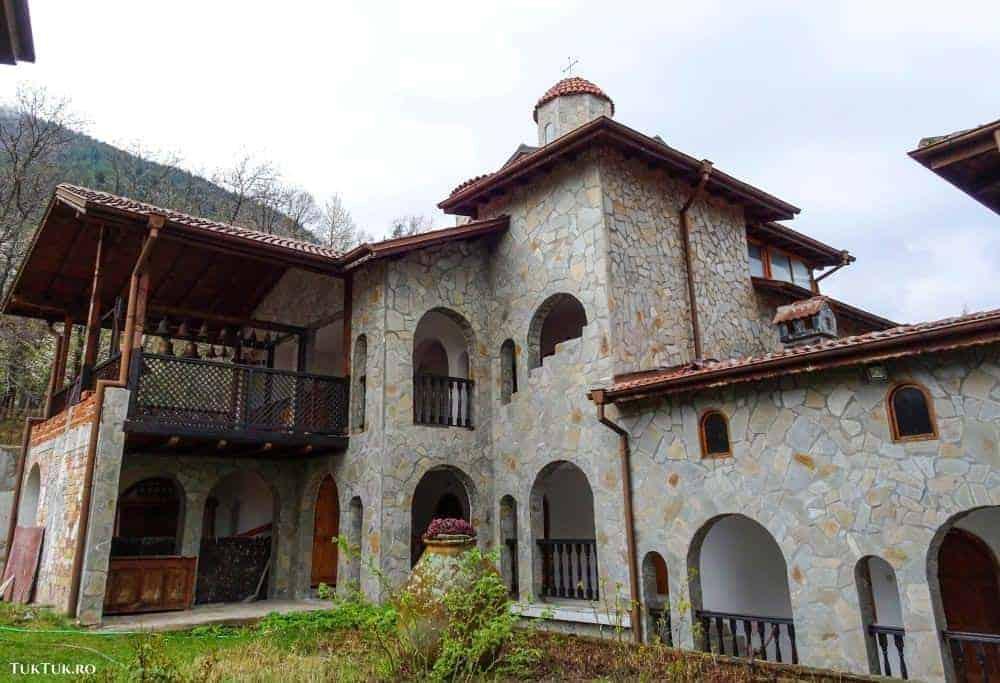 rupite Destinații EDEN în Bulgaria (3): Rupite, Belitsa și Sapareva Banya biserica 5